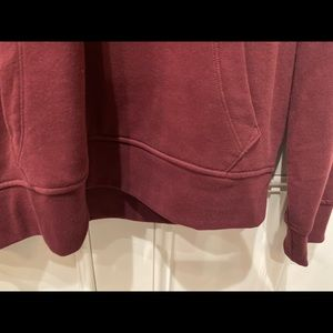 GAP Shirts - Men's Maroon Hoodie.